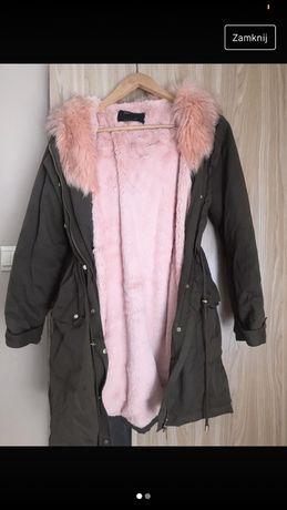 Kurtka zimowa sinsay z różowym futerkiem