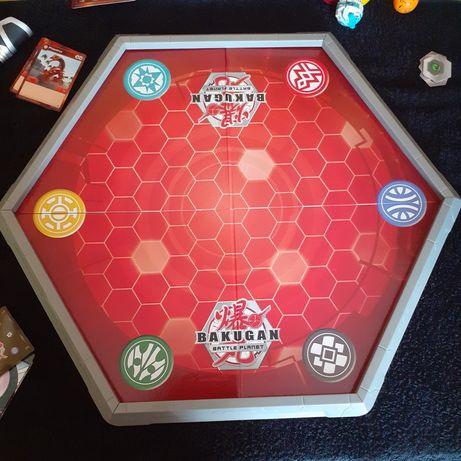 Zestawy Bakugan arena wyrzutnia figurki karty żetony