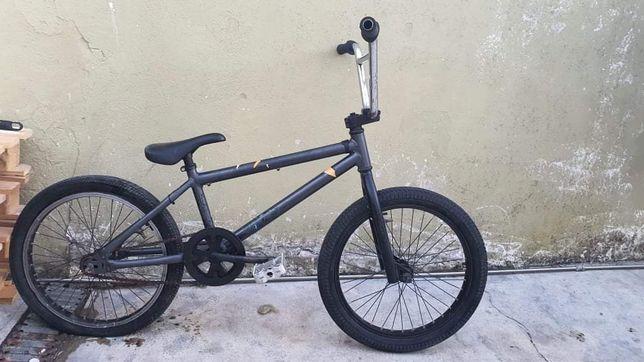 Bicicleta - BMX.