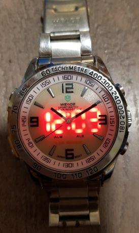 Наручные часы Weide с двойной индикацией.