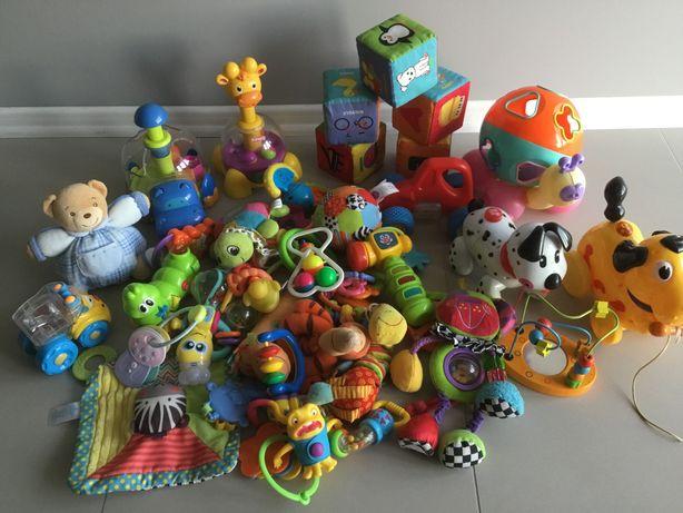 Zabawek paka dla niemowlaka
