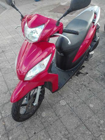Scooter Honda Vision ..