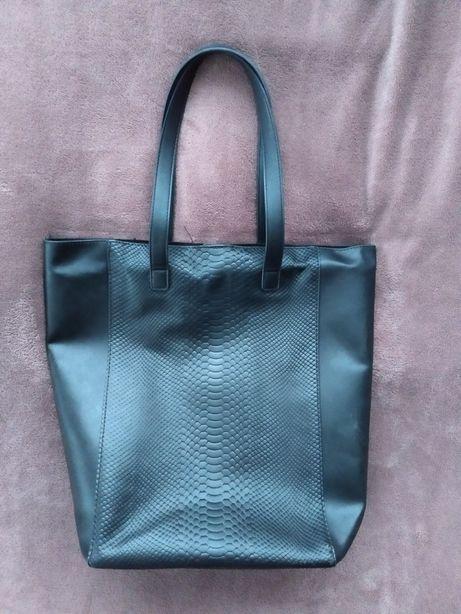 Czarna torebka shopper wężowy wzór Zara duża na ramię do ręki