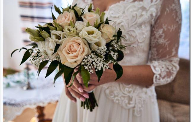 Suknia ślubna ecru (gipiura, muślin)