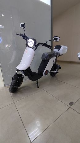 Электроскутер мопед мотоцикл электросамокат Kugoo KING
