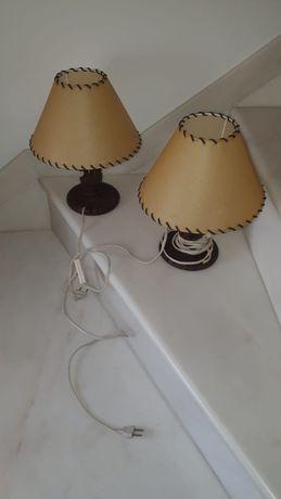 Dois Candeeiros Pequenos de mesa de cabeceira (EXCELENTE ESTADO)