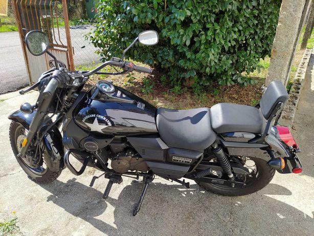 UM Commando Renegade 125cc ! irrepreensível !