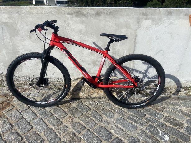 Vendo Bicicleta marca DS e KX mais suporte carro