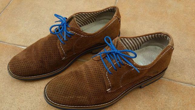 Sapatos J.D. Frisk