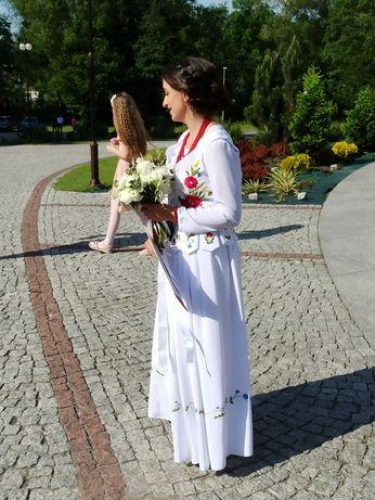 Góralski strój ślubny haftowany maki