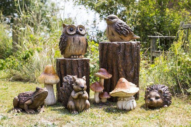 Efekt drewna jeżyk, wiewiórka, żabka, ptak i kłody dekor ogrodowe