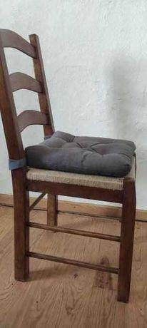 Vendo 6 Cadeiras de Madeira e verga com Coxim