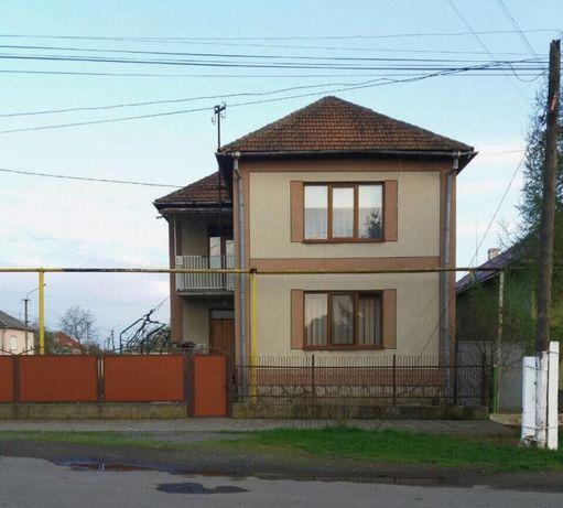 Продається 2-поверховий будинок