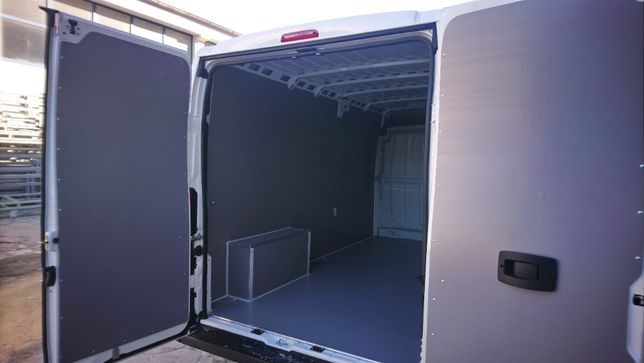 Zabudowa PREMIUM przestrzeni ładunkowej w aucie Citroen Jumper L3H2