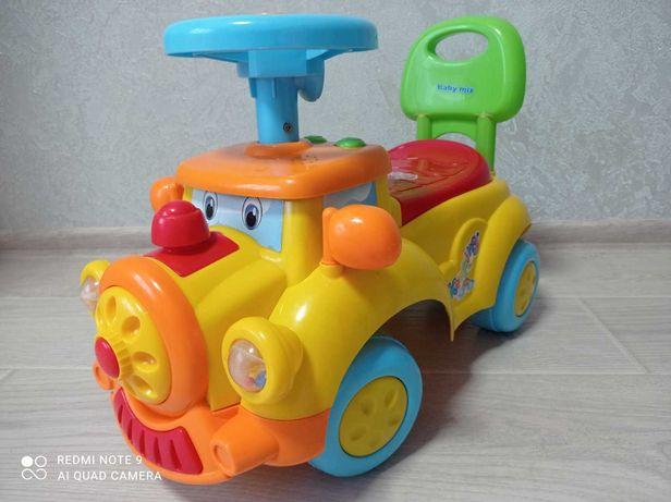 Машинка толокар для дитини до 3-х років