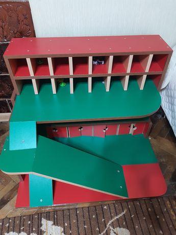 Дитячий гараж для машинок