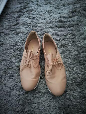 Skorzane buty pudrowy róż