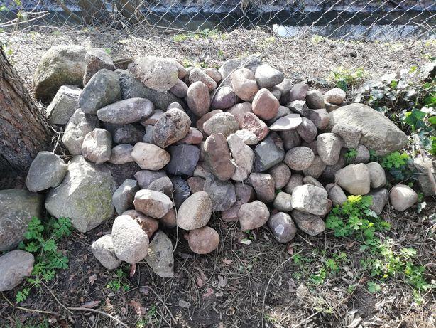 Kamienie polne małe i duże