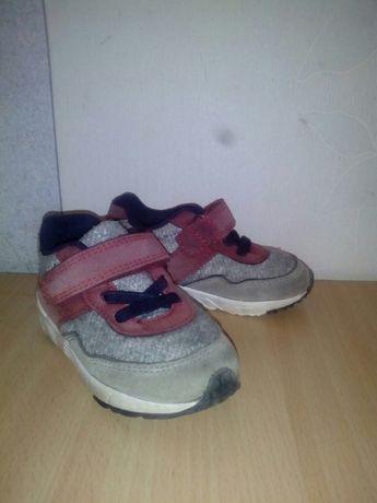 кроссовки Primark