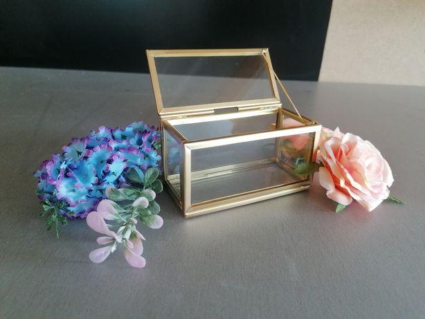 Pudełko szklane złote na obrączki biżuterię szkatułka glamour