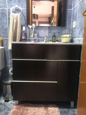 Movel  + espelho de casa de banho