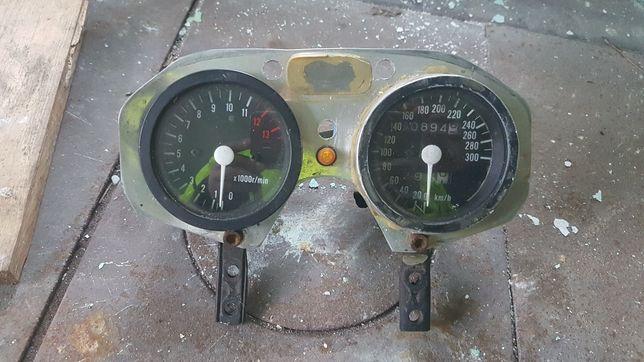 Zegary licznik Suzuki GSXR 1100 olejak na części obrotomierz