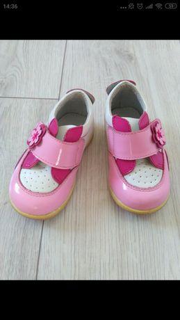 Продам кожаные туфли Flamingo