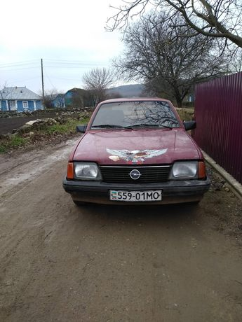 Продам Opel Ascona C...