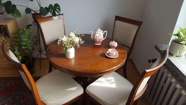 Stół z czterema krzesłami prod. USA orzech lite drewno