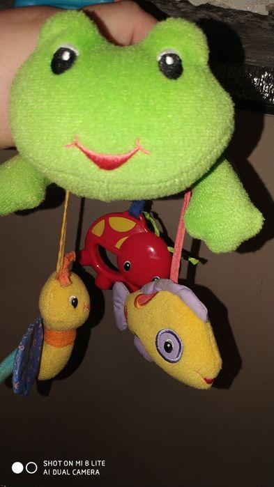 Мягкая/яркая лягушка на коляску/кроватку 16/32 см Павлоград - изображение 1
