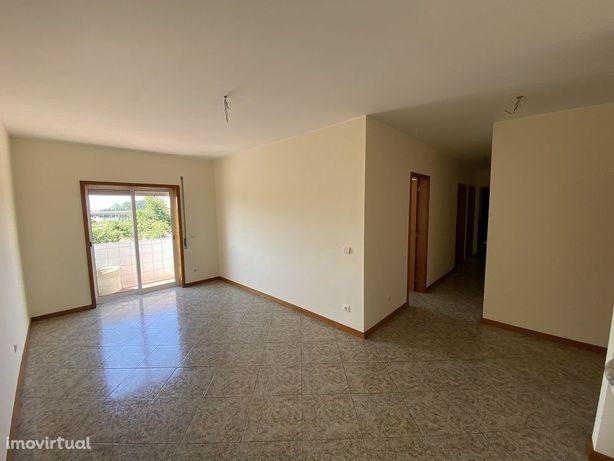 Apartamento T2 * Garagem Fechada * Amorim - PDV
