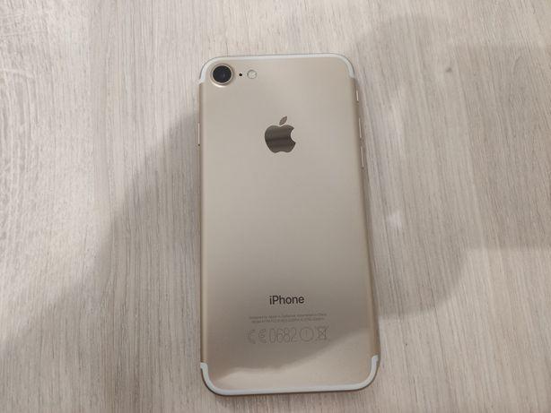 Продам iPhone 7 в хорошем состоянии без повреждений