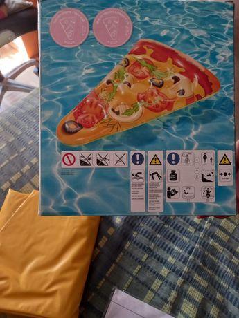 Boia insuflavel em forma de pizza