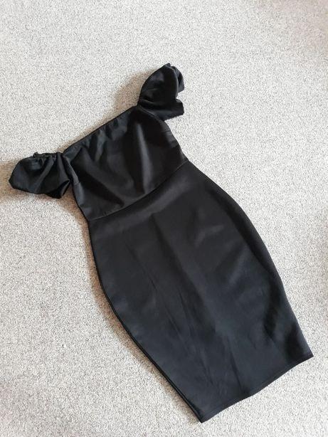 Czarna sukienka elegancka z bufiastymi rękawami