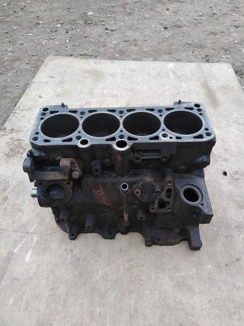 Продам блок двигуна 1.8 Volskwagen pasat