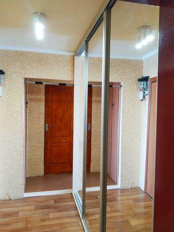 Сдам 2-х комнатную квартиру на Коммунаре ! .Е.С