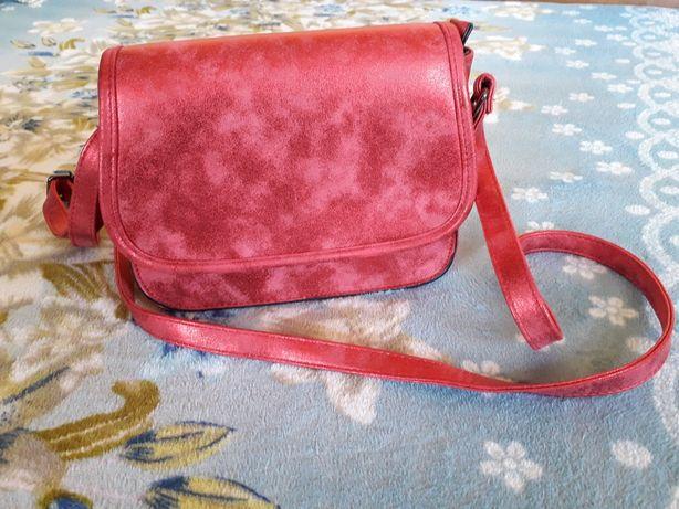 Nowa elegancka czerwona torebka 15×19,5cm