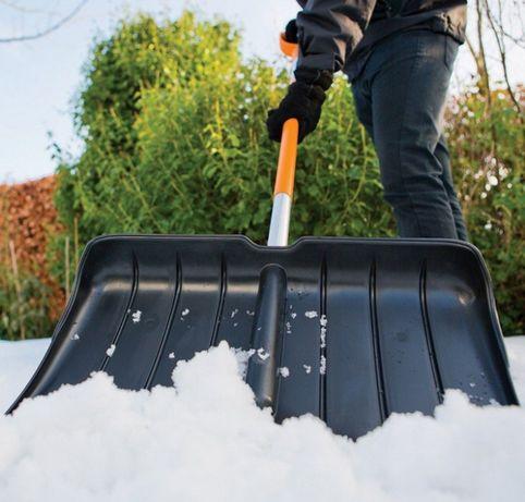 Скрепер для уборки снега Fiskars (143001) - 5 лет гарантии!