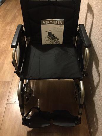 Specjalistyczny wózek inwalidzki z wspomaganiem