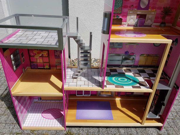 3-piętrowy domek dla lalek z windą i basenem + 5 lalek Barbie gratis