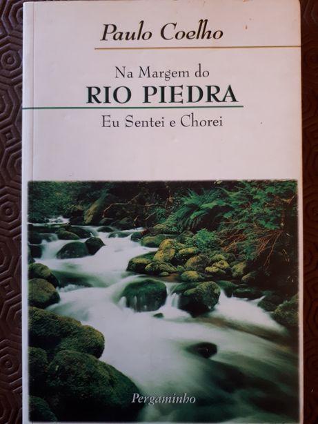 Na Margem do Rio Piedra, eu sentei e chorei, de Paulo Coelho