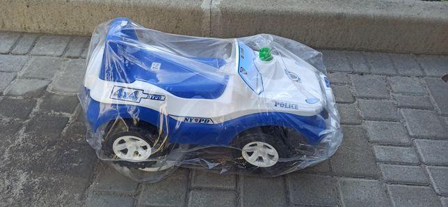 Машина толокар для ребенка