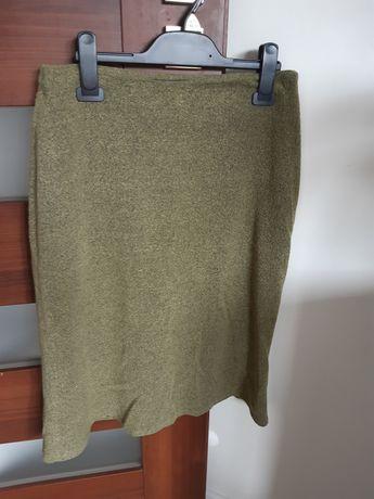 Spódnica khaki zielona pod kolano na jesień zimę