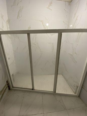 Продам шторку для ванны Ravak