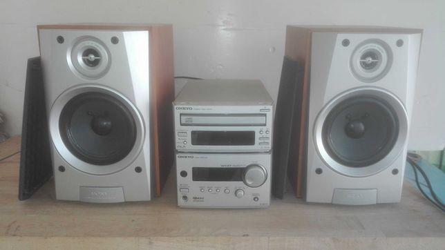 Amp Onkyo R-801A + leitor cds Onkyo C-701A + colunas Sony SS-MD313
