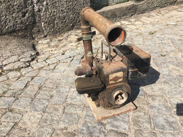 Vendo motor rega briggs stratton antigo