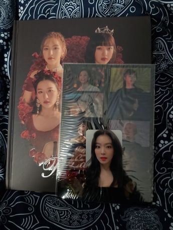 Red Velvet La Rouge photobook kpop