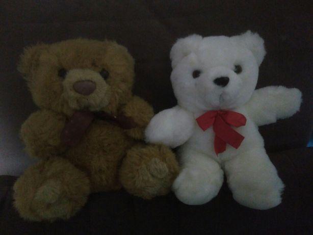 Продам мягкую игрушку.Два медвежонка.