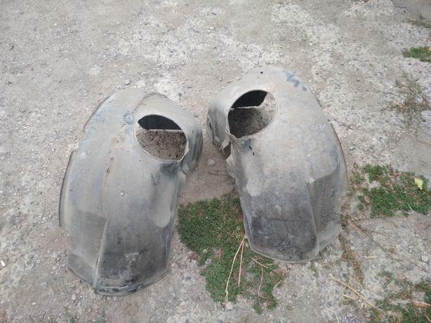 Подкрылки передние на Форд Сиерра