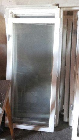 Okna drewniane po wymianie 14 sztuk.